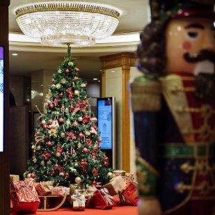 HotelEmperador_terraza_navidad_arbol